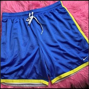 Boys (8-10) blue Nike shorts